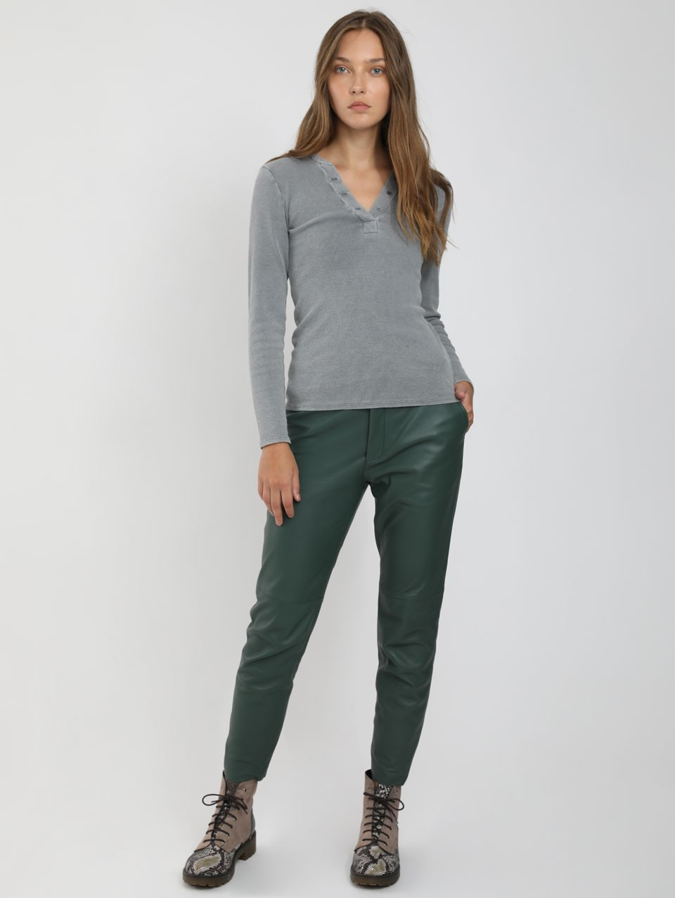 Noam Placket Ribbed Pullover