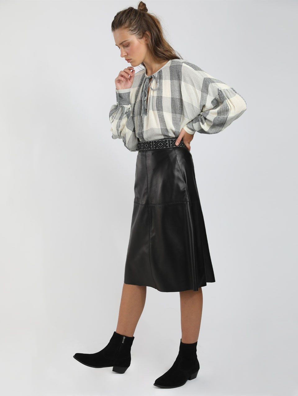 Nela Trapeze Midi Leather Skirt