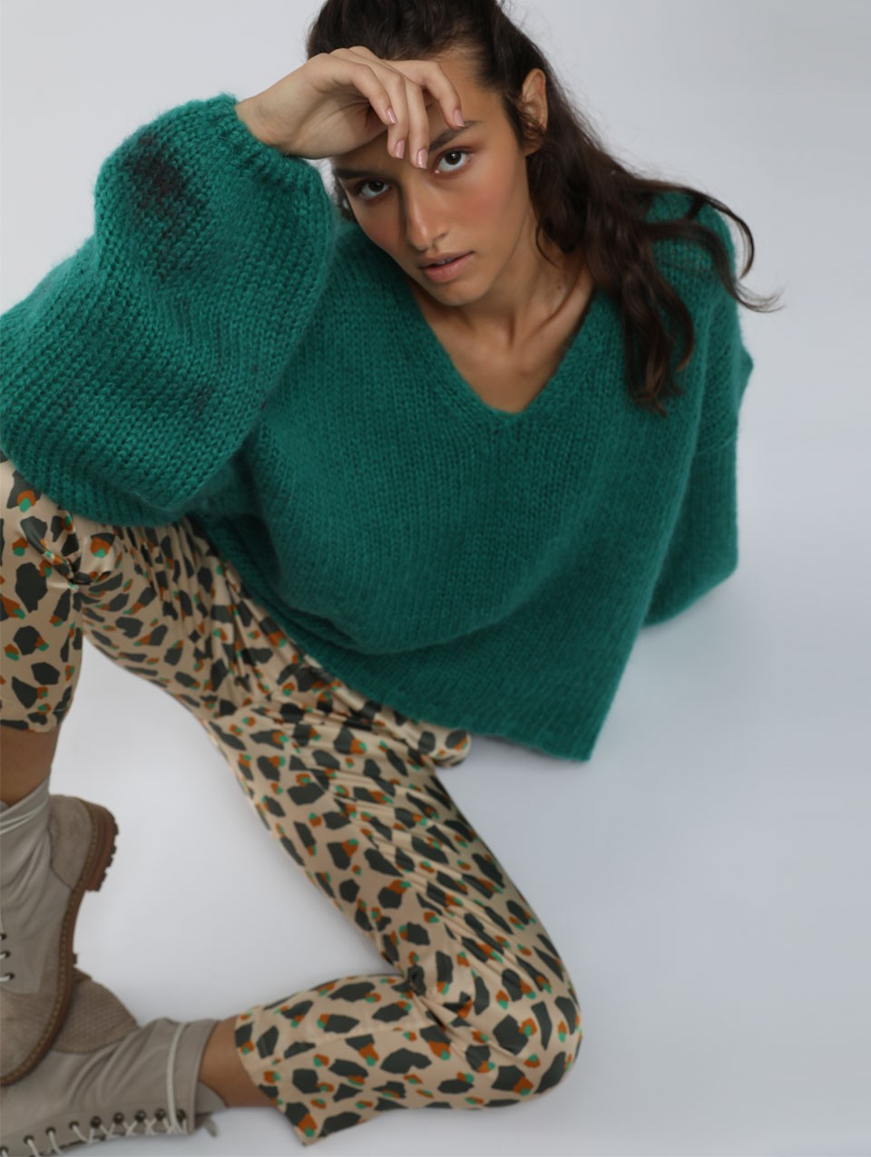 Alex V-neck Puffy Sweater -0-Green-0